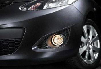 汽车的表面材质及车灯的细节展示