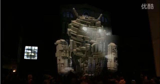 3D全息投影2006年壹码视界首次从美国引进的一种高科技展览展示技术,壹码视界的3D 全息实验室中,第一次呈现出全息技术带给人们超强的视觉震撼。这种3D全息投影技术是利用干涉和衍射原理记录并再现物体真实的三维图像的记录和再现的技术。 目前3D全息投影技术应用已经席卷全球,关因为奇幻的效果成为展会时尚界的新宠。  意大利品牌Diesel在2008年佛罗伦萨夏时装发布会上,就用全息技术把T台打造成一个虚幻的流动空间:幻化的蓝色物体不停变化,时而变成抽象的机械装置,时而变成蓝色的海底生物,时而又分解成数百条闪闪